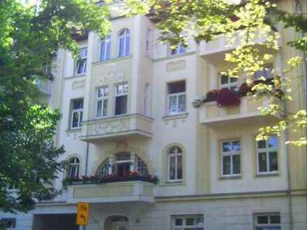 2 Zimmer mit Balkon!