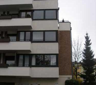 Lindenthal, hübsches Appartement mit Balkon und separater Pantryküche in ruhiger Wohnlage.