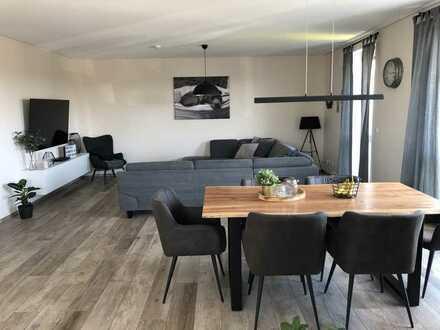 Hochwertige 3 Zimmer Wohnung mit Balkon