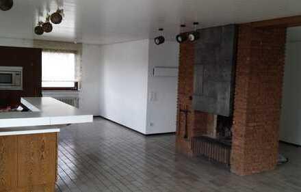 Attraktive 3,5-Zimmer-Wohnung mit Balkon und EBK in Ostfildern
