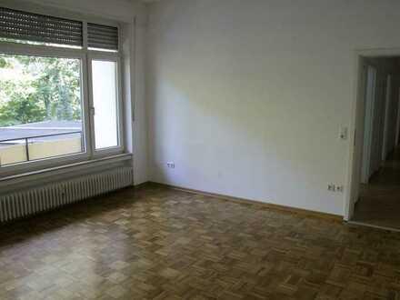 Gepflegte 3-Raum-Hochparterre-Wohnung mit Balkon in Bickenbach von privat.