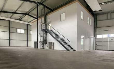 Gewerbehalle 240m² mit 120m² Büro und Magazin