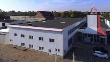 Lagerhalle mit Verwaltungsgebäude