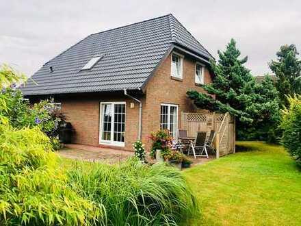 Modernes Einfamilienhaus mit 4-Zimmern, 630,00m² Grdst., Vollbad, Gäste-WC, EBK, Terrasse und Garage