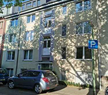 Rü-Mädchenviertel, kein Makler, Balkon, 2 Zimmer, Wohnküche, Flur, Tageslichtbad, 66 qm