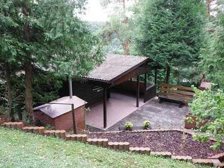 Zauberhaftes Wochenendgrundstück mit geräumigem Gartenhaus zum Wohlfühlen in Miedelsbach !