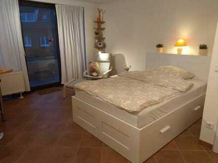 Stilvolle, renoviertes 1-Zimmer-Apartement mit Balkon und Einbauküche, provisionsfrei