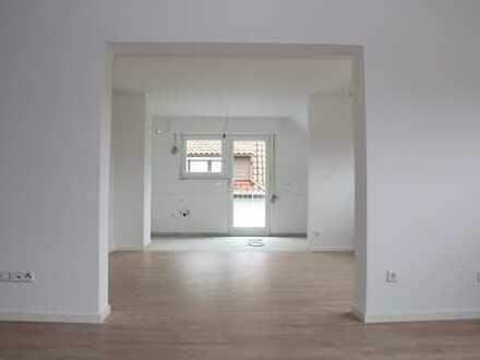 Top Wohnung im Obergeschoss - hell, ruhig, neu saniert