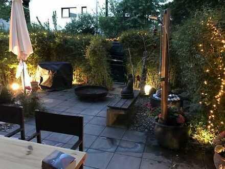 Stilvolle, neuwertige 3-Zimmer-EG-Wohnung mit Terrasse und Einbauküche in Schwabach