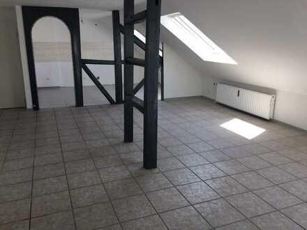 Renovierte und zum Einzug bereite 3 Zimmerwohnung