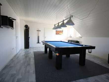 Traumhafte 3- Zimmerwohnung (1.OG) mit Loggia+Balkon+EBK