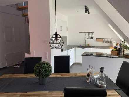 Neuwertige 3,5-Zimmer-Maisonette-Wohnung mit Balkon in Illingen