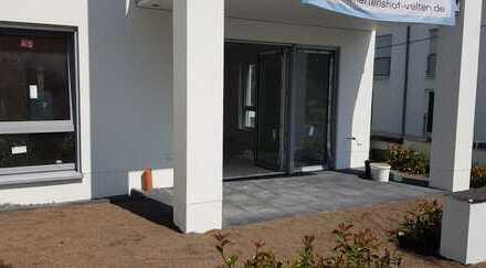 Erstbezug: 3-Zimmer Erdgeschoss-Wohnung mit Rheinblick und Terrasse/Garten