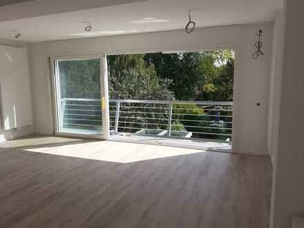 Erstbezug nach Sanierung: stilvolle 2-Zimmer-Wohnung mit Balkon und Stellplatz