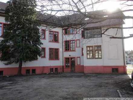 Provisionsfrei! Denkmalgeschützte Wohnung im Mehrfamilienhaus in Schopfheim