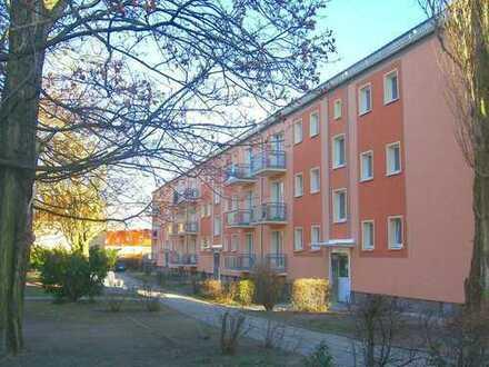 2-Zimmer Wohnung mit Balkon in Hochparterre