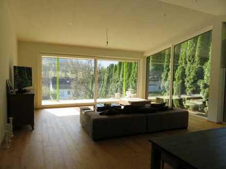 Exklusives Einfamilienhaus mit Einliegerwohnung im Grünen in Lenningen-Brucken