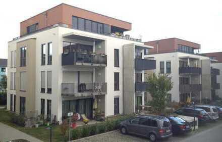 Große 2-ZKBB-Neubau-Wohnung mit EBK, Parkett, Balkon & PKW-Platz!