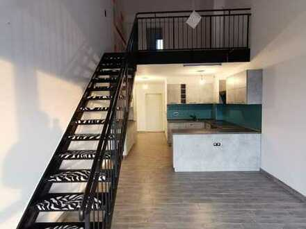 Moderne 3-Zimmer-Galerie-Wohnung mit Balkon und Einbauküche in Dachau-Mitte