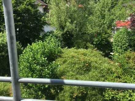 Renovierte 3-Zimmer-Wohnung mit 2xBalkon und EBK in Unterschleißheim