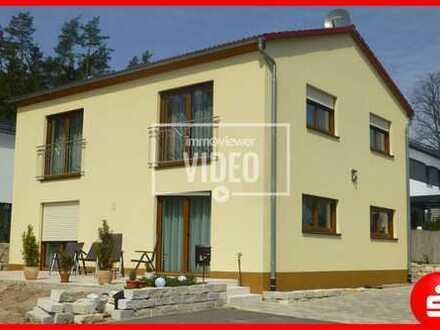 Neuwertiges Einfamilienhaus in ruhiger Lage von Lauf - OT Vogelhof