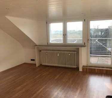 Helle 3-Zimmerwohnung mit Balkon in zentraler Lage