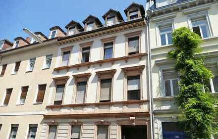 Mehrfamilienhaus mit Hinterhaus in attraktiver Lage der Weststadt - teilweise saniert!