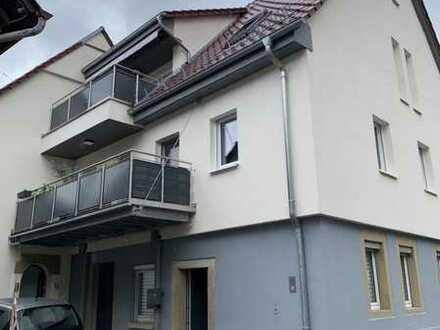Walheim: 3,5-Zimmer-Wohnung mit Balkon, Garage & EBK zu vermieten!