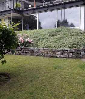 Großzügiger Bungalow mit großem Garten, sowie malerischem Blick
