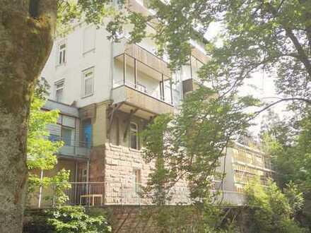 Traumhafte 5 Zi. Wohnung in Denkmalobjekt am Kurpark