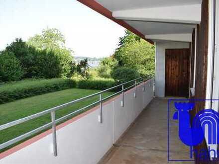 Großzügige 4-Zimmer-Hochhauswohnung in naturnaher und ruhiger Lage in Eningen