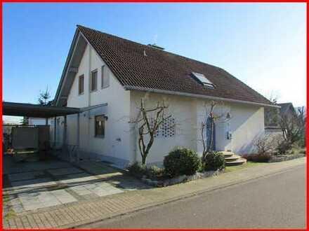 Großzügiges Einfamilienhaus mit viel Flair in schöner Wohnlage von Rodenbach!