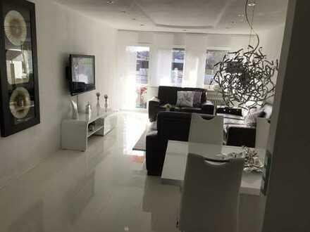 Stilvoll,gepflegt 3,5 Zimmer Wohnung mit Balkon und Einbauküche in Echterdingen