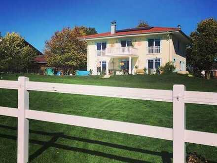 Große luxuriöse Villa im amerikanischen Stil in bester Wohngegend Rosenheims, am Reiterhof