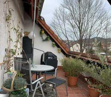 Hirschberg-Leutershausen, nicht 0815: 3,5 ZKB DG.- Maisonette mit Ankleide in gepfl. 7 Familienhaus