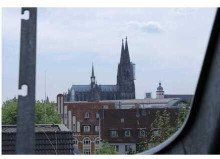 Attraktive Dachgeschosswohnung mit Ausbaureserve und Domblick