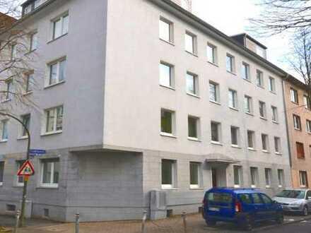 Klinikviertel: Modernisierte 3,5-Zimmer-Erdgeschoßwohnung in ruhiger Lage!
