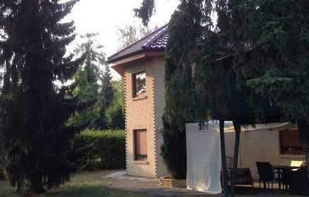 Ein Haus mit sechs Zimmern zum wohlfühlen in Berlin, Mahlsdorf Süd/Köpenick