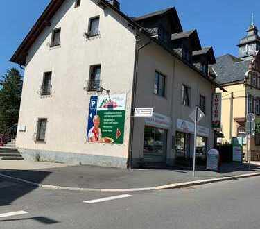 Wohn- und Geschäftshaus in Neukirchen Voll vermietet