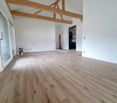 Erstbezug mit Einbauküche und Balkon: ansprechende 3-Zimmer-DG-Wohnung in Friesenheim