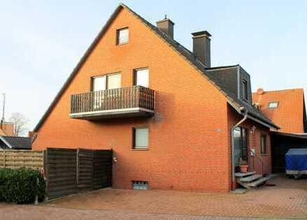 Freistehendes gepflegtes Haus mit Kamin, Garten und Garage in guter, ruhiger Lage