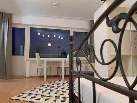 Liebevoll teilmöblierte und frisch renovierte 1-Zimmer-Wohnung mit Balkon und Einbauküche