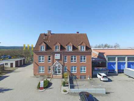 Büro/Praxisräume im DG mit ca. 103 m² in Neudrossenfeld!