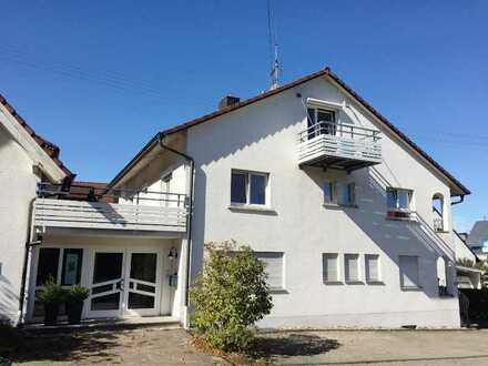 Schöne, geräumige 2,5-Zimmer-Wohnung mit EBK und Balkon in Haslach
