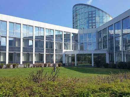 Neubau von Hallenflächen mit vorhandenem Bürogebäude
