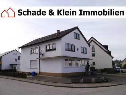 großes Zwei-/Dreifamilienhaus mit 2 Garagen in Unterensingen