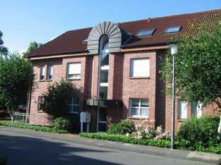top EG-Wohnung mit Terrasse, Garten, Gäste-WC und TG-Platz.