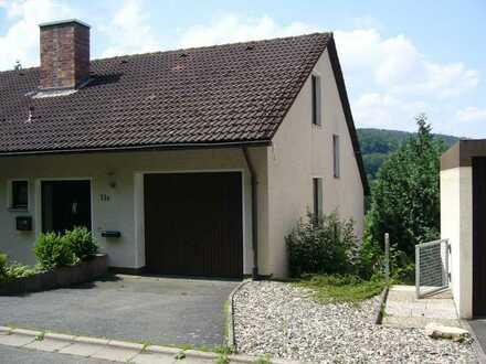 Schönes Haus mit fünf Zimmern in Kulmbach- Fölschnitz