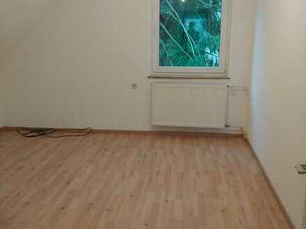 3 Zimmer-DG-Wohnung Altbau