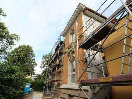 Haus im Haus: Wohnen auf 2 Etagen mit großer Terrasse